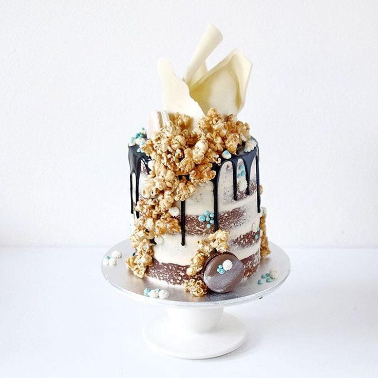 White Mud Cake Wedding