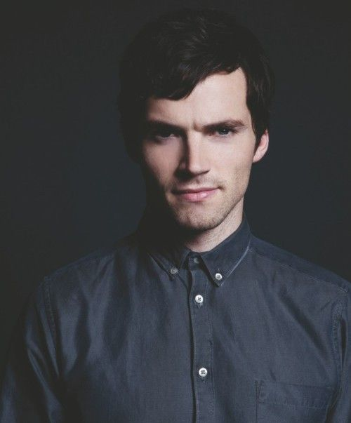 Ian Harding:) we are definitely meant to be; we have the same birthday!!!!