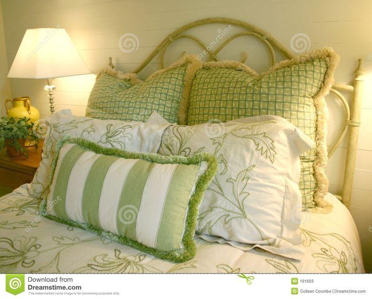 Risultati immagini per cuscini verdi