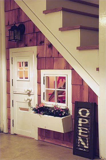 Understairs playhouse would love one like this great idea