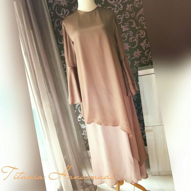 Gamis layer bahan silk. Open order now, please feel free to contact us.
