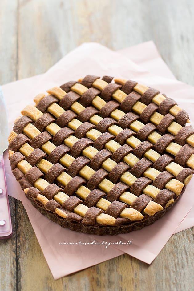Intreccio di pasta frolla bicolore perfetto - Intreccio perfetto per crostate e pie