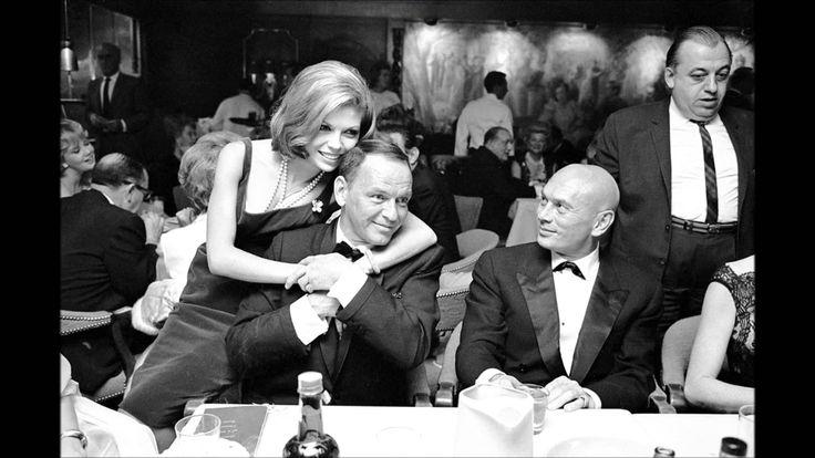 Frank & Nancy Sinatra ~ Something Stupid (1967)