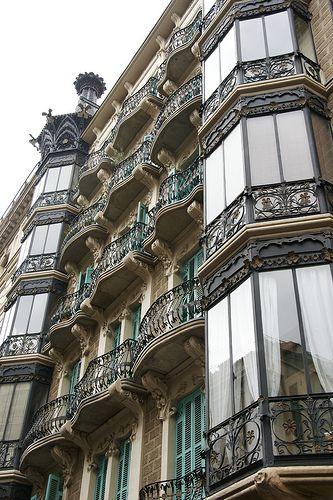 Barcelona - Carrer de València: Spain Valencia, De València, Barcelona Catalunya, Carrer De, Barcelona Modernista, Balconies Doors, Architecture, Art Deco, Photo