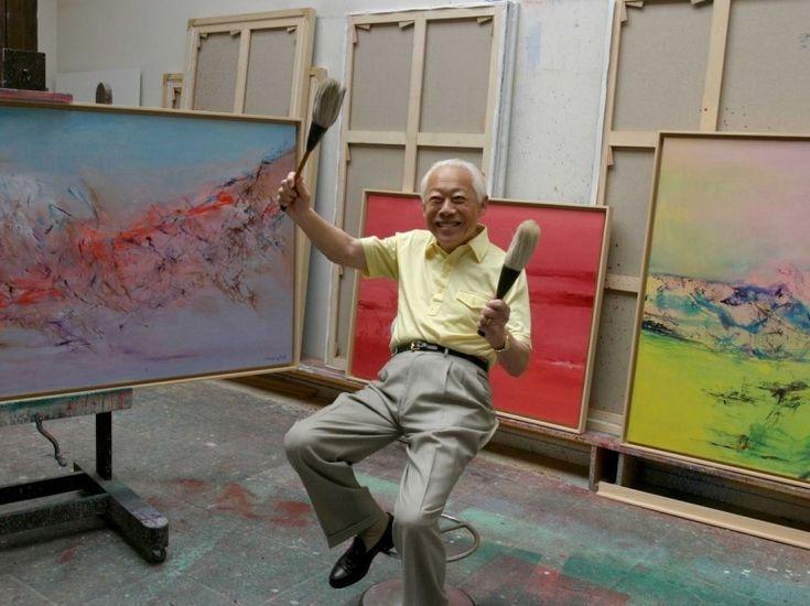 Diapo Zao Wou-Ki - Dans son atelier de Montparnasse, en 2005.