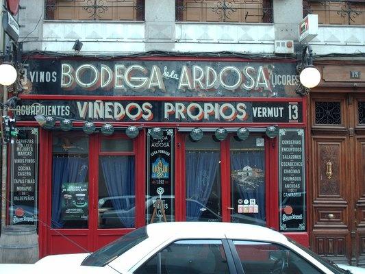 Bodega de la Ardosa- fun old bar in Malasana