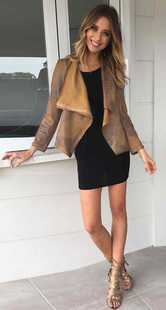Suede blazer for office look