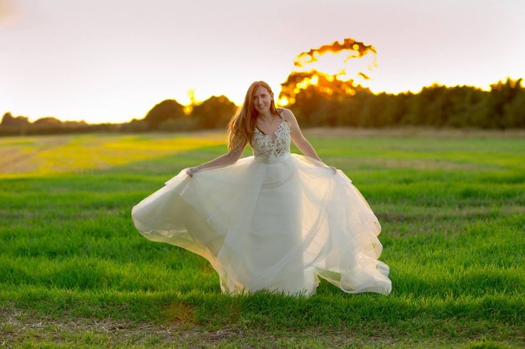 Hayley Paige, Blush, Halo, Wedding dress. Sunset photo.