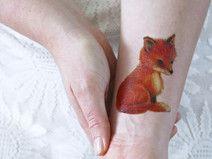 Ich liebe Füchse. Oder zumindest Bilder oder Zeichnungen davon. Dieser kleine Fuchs ist super süß und wird klasse auf deinem Körper…