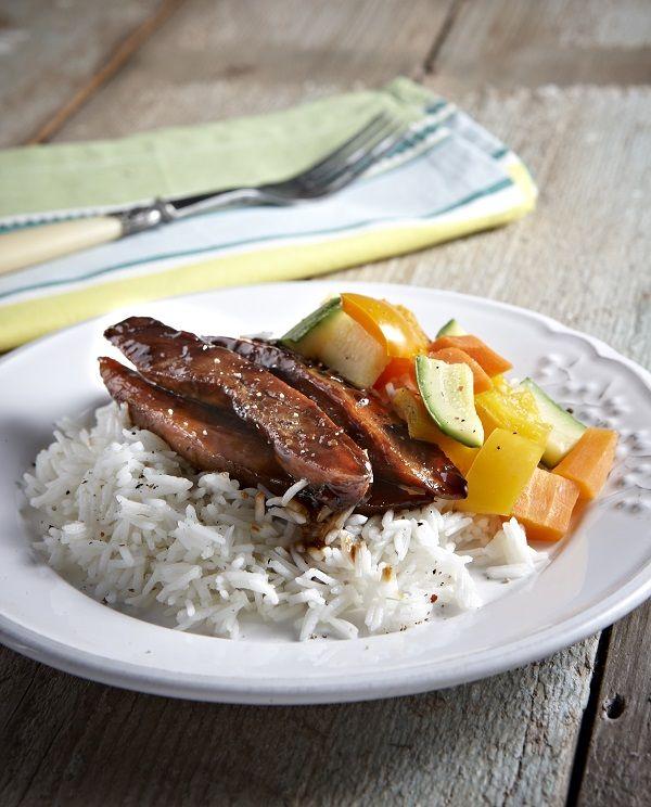 Η ελληνική εκδοχή του γλυκόξινου με κοτόπουλο Νιτσιάκος, λεμόνι και μέλι με κεντρικό θέμα ένα τρυφερό φιλέτο κοτόπουλο που θα μαγειρέψουμε στο τηγάνι και θα σερβίρουμε στο πι και φι...