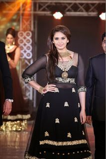 Huma Qureshi at India Bullion and Jewellery Awards 2013.
