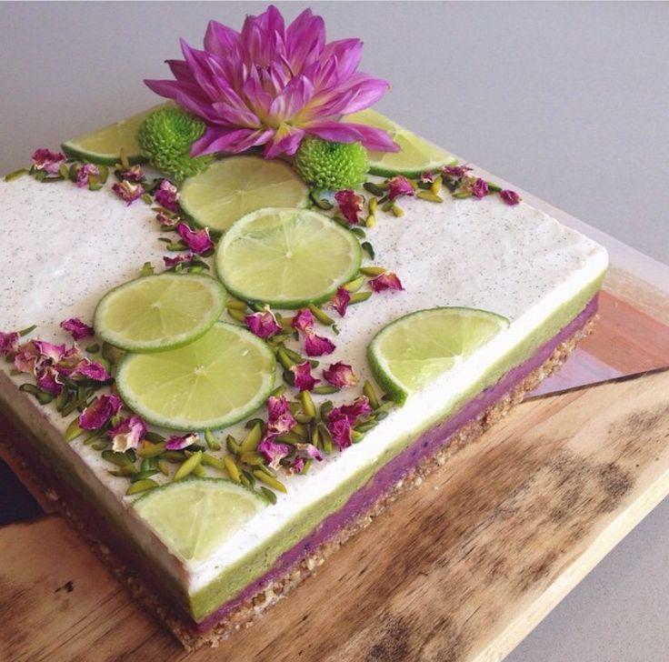 Raw vegan 'cheesecake'