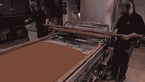 Este clip muestra las etapas requeridas para hacer el papel de aluminio. En…