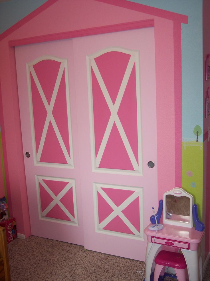 My daughters Horse Themed bedroom. Barnyard closet doors!