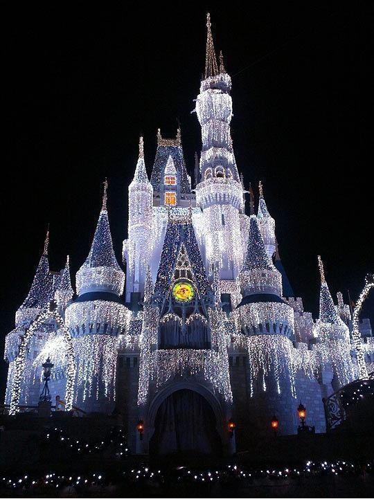 Christmas-Disney's Castle light display | Holiday ...