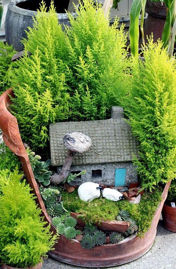Vasos quebrados são transformados em pequenos jardins | Estilo