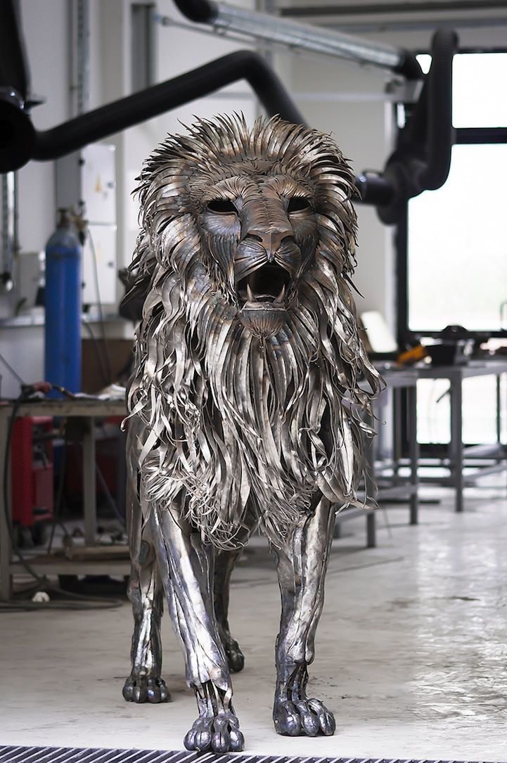 Turkish sculptor Selçuk Yılmaz has constructed a 6-foot-tall, 10-foot-long majestic lion out of nearly 4,000 pieces of scrap metal.
