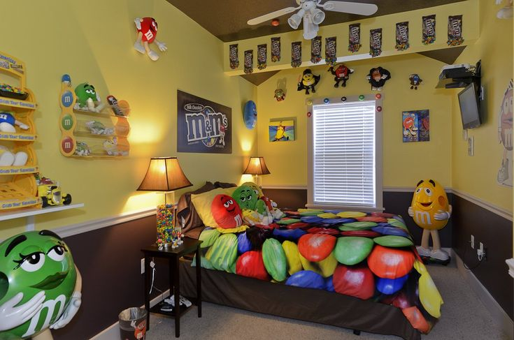Candy Themed Room | candy themed bedroom at The Sweet Escape luxury vacation home ...