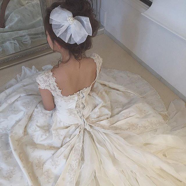 . . gm🌞 半身浴しながらMAGICの曲 リピートで聴いてるなう🎧 . 来月の振り付けの曲もどうしようかなぁ💭 . #hair_make_rola#photo#me#wedding#weddingdress#hair#hairarrange#京都#京都サロン#ヘアアレンジ#ウェディングヘア#サロンモデル