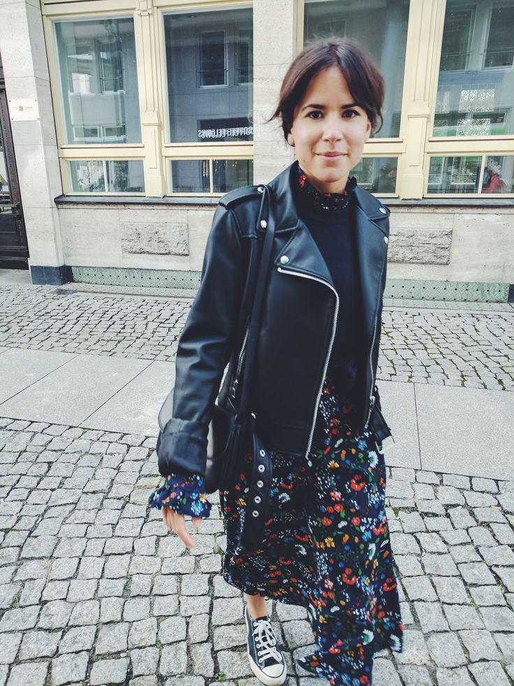 Social Media Editor Catie loves to wear long floral dresses during fall! #ootd #streetstyle