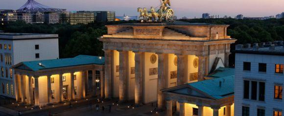 Berlin - Brandenburg Gate - visitBerlin.de EN