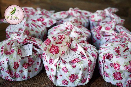 Brigadeiro Gourmet - Marmita Redonda - Presente para Padrinhos | Flickr – Compartilhamento de fotos!
