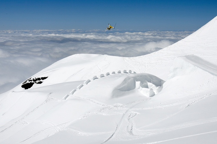 Candide Thovex in the sky
