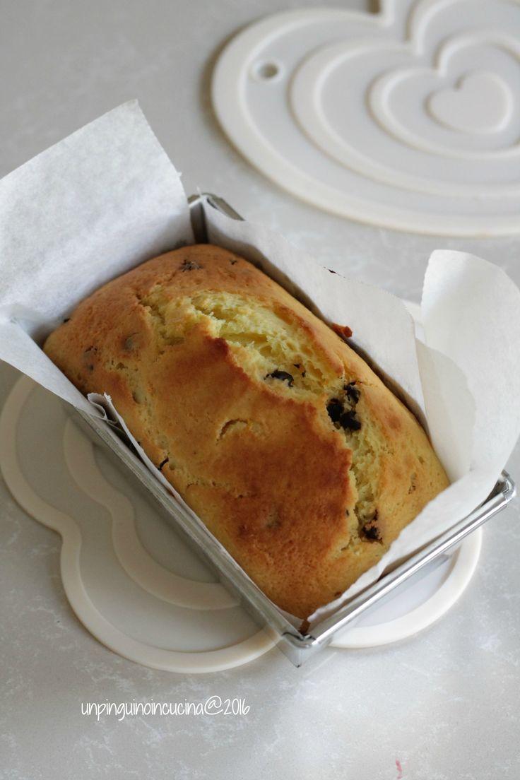 Ricotta and Chocolate Cake - Cake alla ricotta e gocce di cioccolato | Un Pinguino in cucina