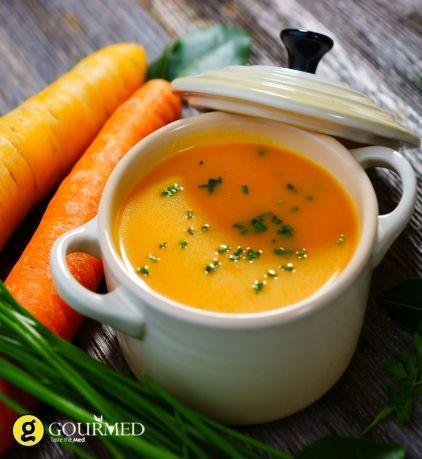 Βελούδινη Καροτόσουπα με τζίντζερ και γιαούρτι (Carrot soup with ginger) - gourmed.gr