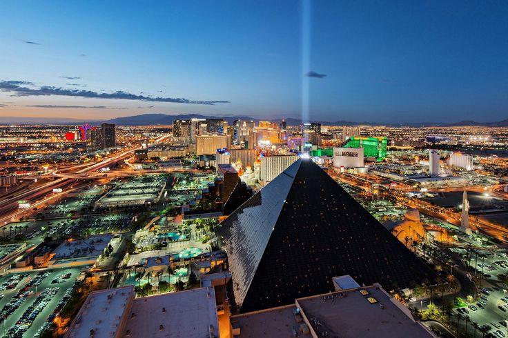 Пирамида Люксор, Лас-Вегас.  #travel #travelgidclub #путешествия #traveling #traveler #beautiful #instatravel #tourism #tourist #туризм #природа #архитектура #США #USA #LasVegas #ЛасВегас #пирамида #Люксор