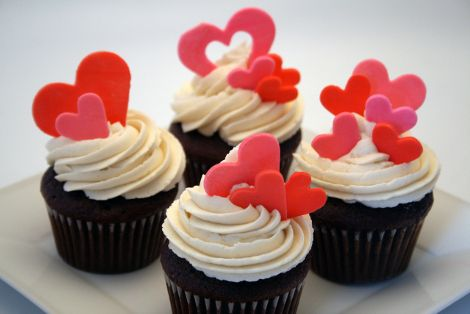 Valentines cupcakes!!  I love these! will have to make some!!