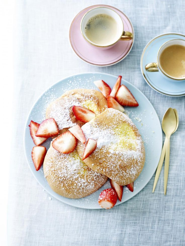 Puddingbroodjes met aardbeien - Libelle Lekker