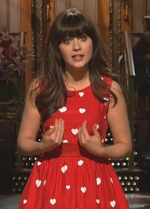 Red and white heart dress on SNL  I want a dress named after me! SO COOL!