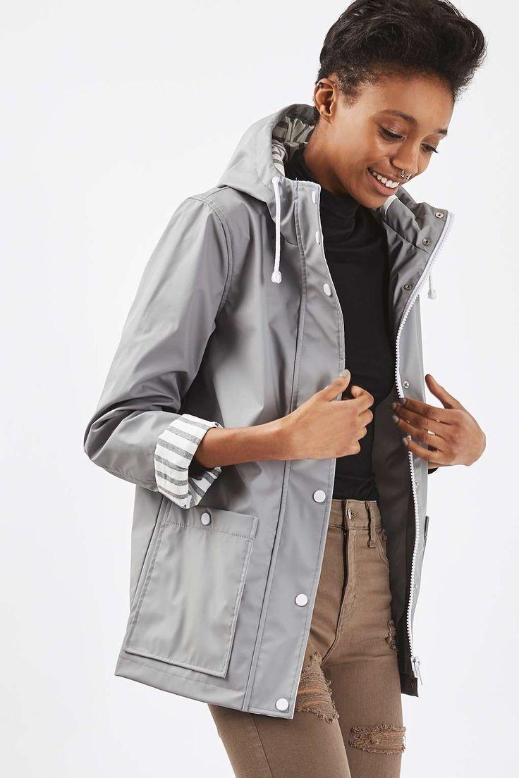 L2017 http://www.topshop.com/en/tsuk/product/clothing-427/jackets-coats-2390889/rain-mac-6048781?bi=260