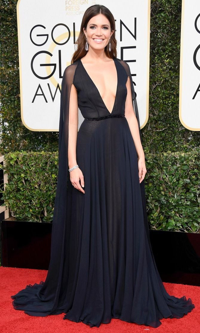 Golden Globes 2017 Best Dresses: Mandy Moore in Naeem Khan