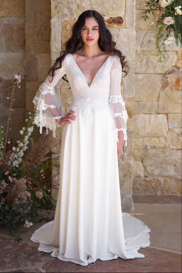 97 best Claire Pettibone images on Pinterest | Wedding frocks ...
