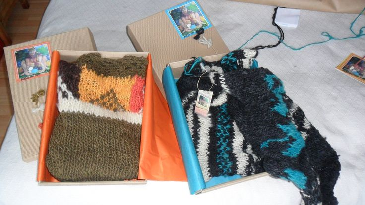 Embalaje de ponchos tejidos.