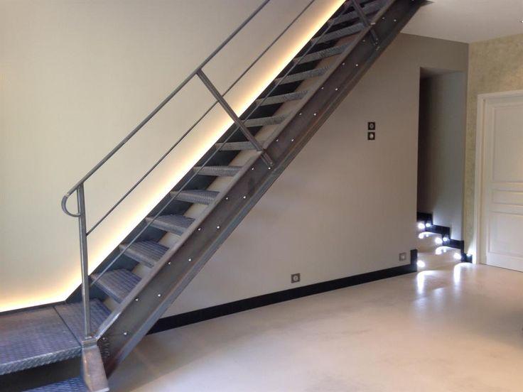 28 best staircase zoom sur les escaliers images on pinterest staircases - Escalier de la tour eiffel ...