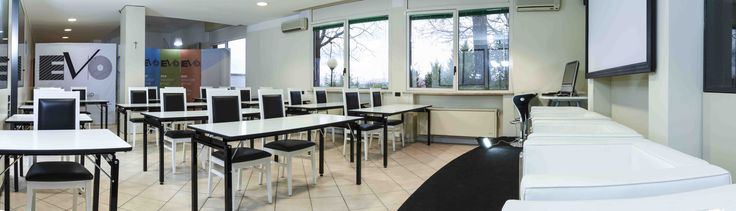 Spazio di coworking a Pesaro, presso Evo Solution Group in Strada Campanara 3/1. Affiliato Rete Cowo®- Coworking Network. Per info: http://CoworkingProject.com