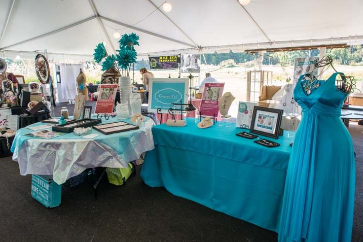 Origami Owl's display
