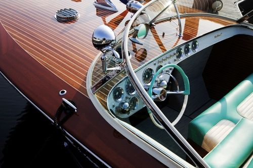 Boat Dash: Chris Crafts, Wood Grains, Riva Triton, Vintage Boats, Wooden Boats, Luxury Yachts, Power Boats, Riva Boats, Speed Boats