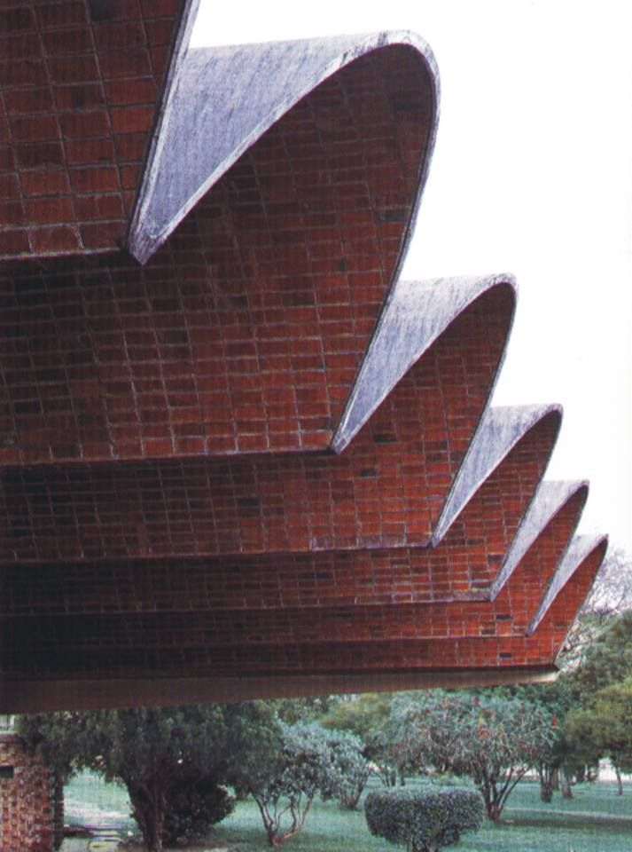 Pin By Ryan Meeks On Brick Roof Architecture Brick Architecture Brick Design