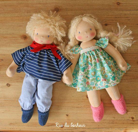 Poupée et poupon personnalisés en tissu, faits sur commande, poupées waldorf frêre et soeur, aux cheveux blonds, bruns, châtains ou roux