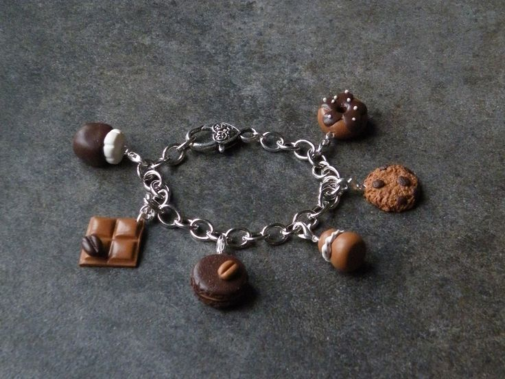 Bracelet chaîne, fermoir coeur et ces 6 breloques chocolat en fimo : Bracelet par jl-bijoux-creation