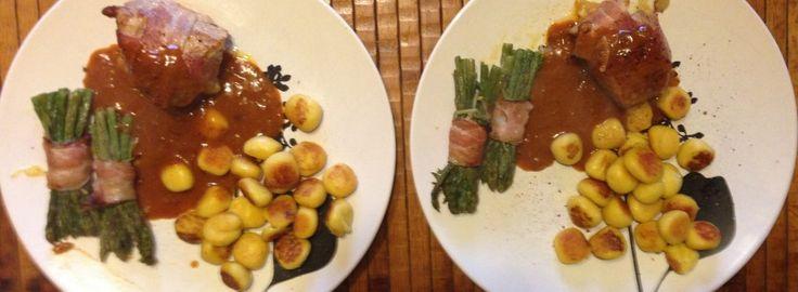 Une recette d'escalope de veau Saltimbocca légèrement revisitée. Le saltimbocca, littéralement « saute en bouche », est un met italien, spécialité de la cuisine romaine, plus connu comme saltimbocca alla romana.