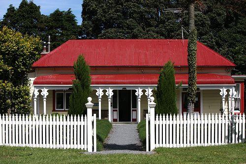 Battle Hill Farm House - Near Wellington, NZ | Sally Cutting