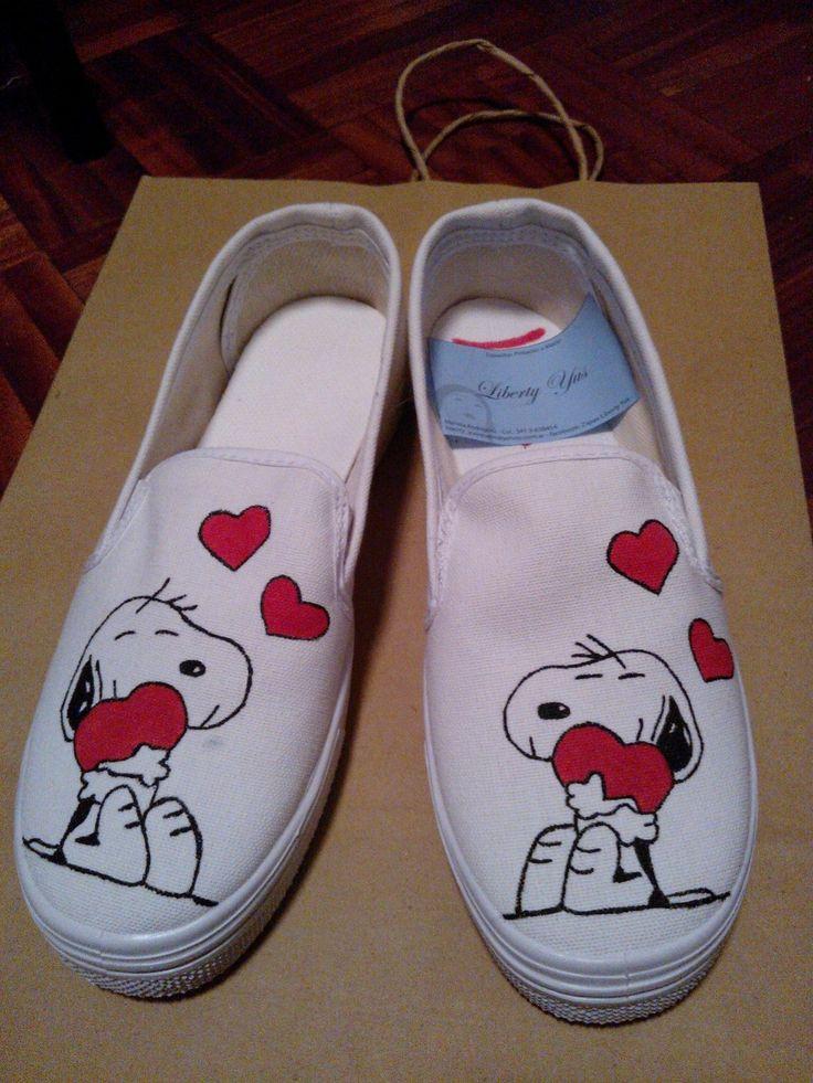 Diseño simple Snoopy corazones