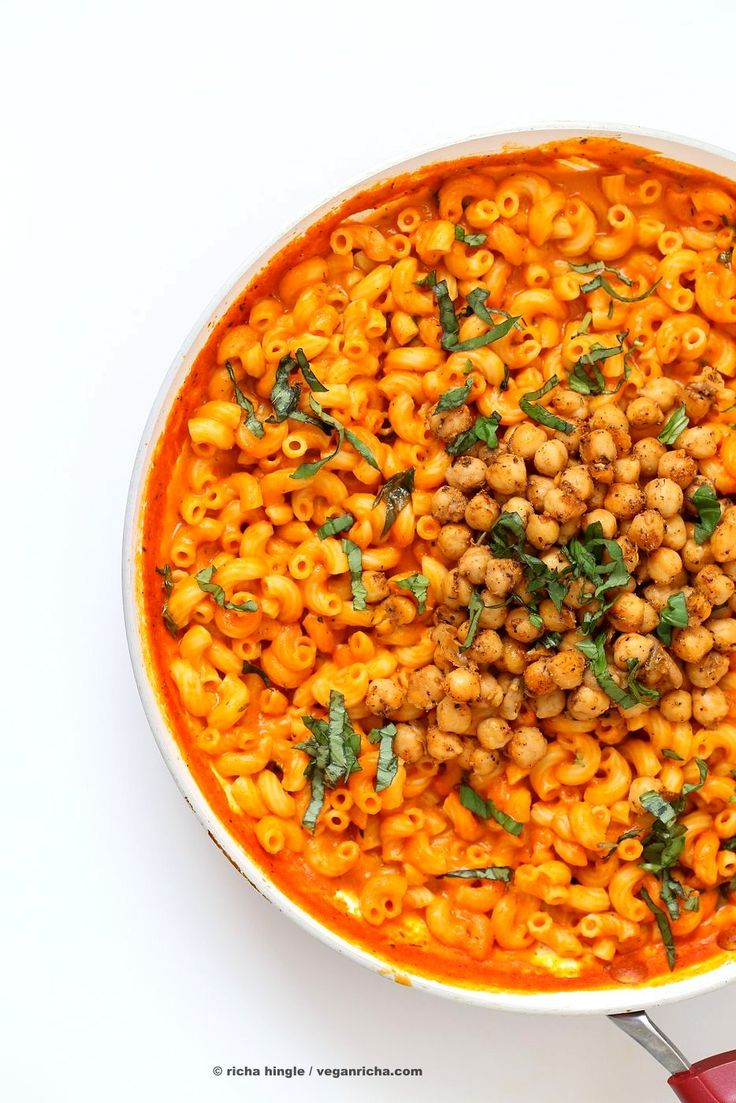 Creamy Roasted Red Pepper Pasta With Black Pepper Chickpeas