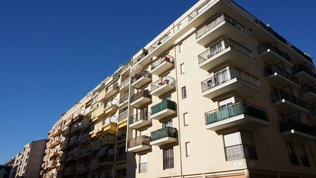 Nice - The Tournesols. Excellent opportunity! Studio in the university area in Nice, near the railway station. Secure investment, small bank fee covered by rent! Check out! € 98,000 #nice