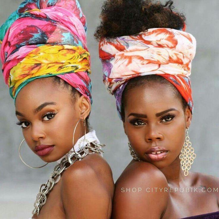 Dos hermosas africanas.